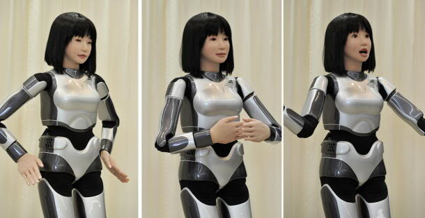 afplivetwo815184-JAPAN-ROBOT_610x31