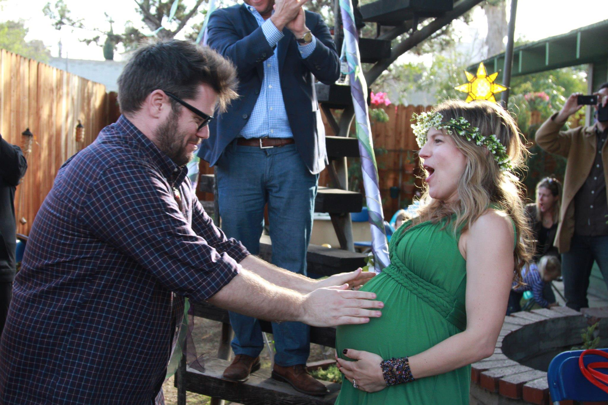 Getting Married In My Backyard : Lynn, 7 months pregnant, getting married in her backyard One year to